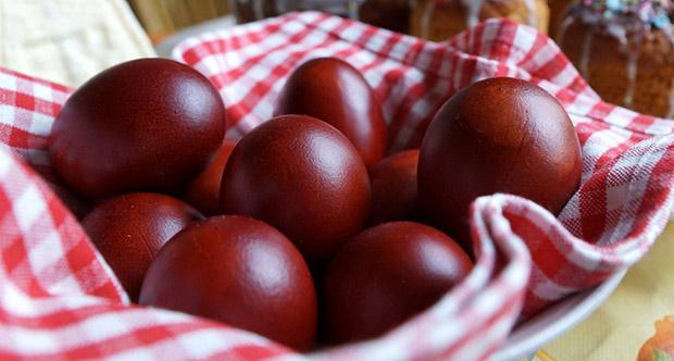 Яйца крашеные шелухой