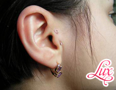 Игла в ухо
